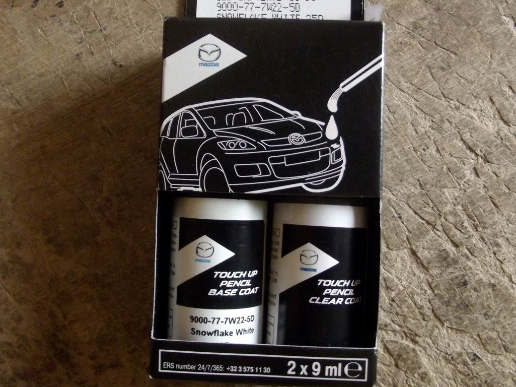 Paint touch up kit genuine Mazda 25D Snowflake White